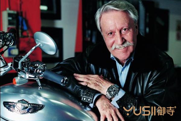 Gerald Genta先生于1931年出生于日内瓦,卒于2011年。这位近代表坛的重量级大师设计了皇家橡树腕表。
