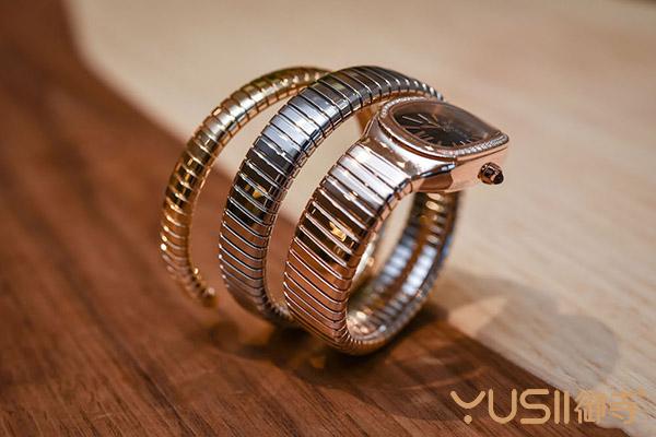 宝格丽新品复刻三色金Serpenti Tubogas手表正式到沪