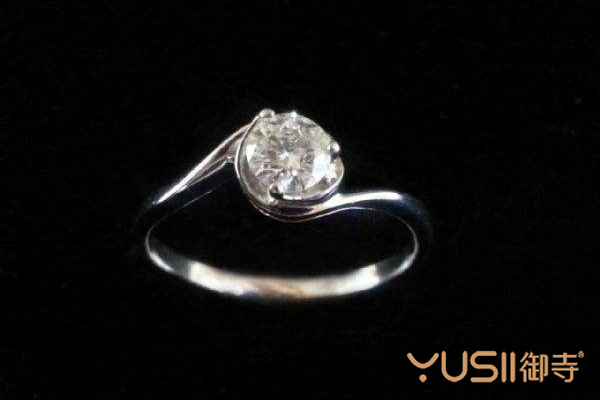 多少钱能买到30分钻石,在回收机构里又能回收几折