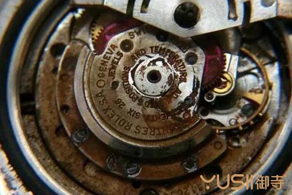 看过这些手表后你还认为劳力士手表抗造?手表还是需要养的