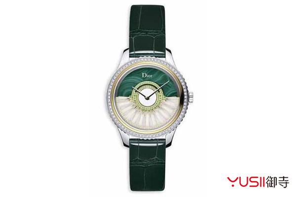 圣诞晚会是否还缺一枚手表?奢侈品回收店买二手表更划算   御寺