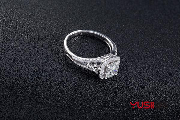 买钻石3年回收多少钱一克
