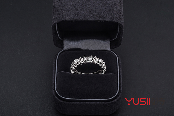 刚刚买的蒂芙尼戒指不喜欢可以回收吗