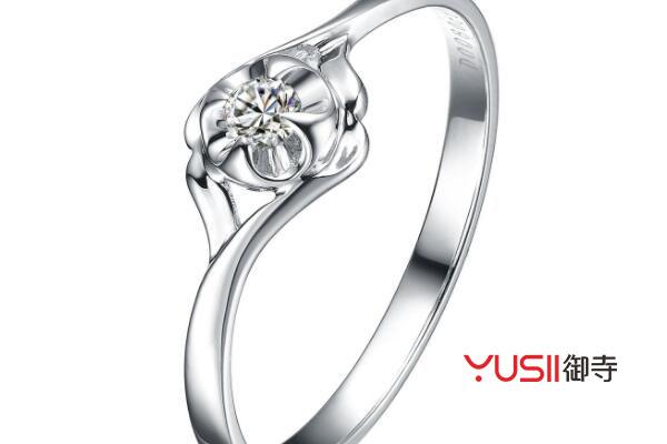 <b>铂金戒指跟黄金戒指相比的话,你觉得哪种更好一些</b>