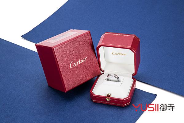 卡地亚白金镶钻戒指