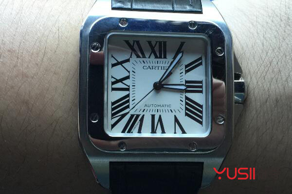 卡地亚山度士手表