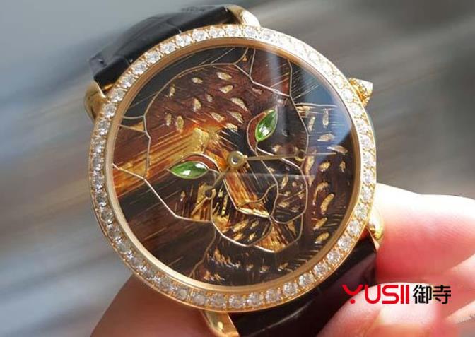 卡地亚Ronde Louis Cartier 金箔细木镶嵌腕表